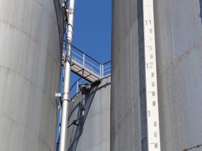 Petrostock 372 - - Les yeux au ciel